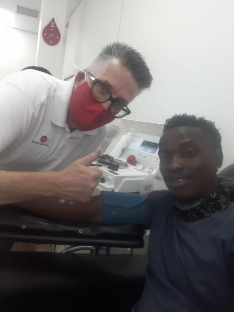 East Coast Radio's Darren Maule shows support at Newcastle Blood bank